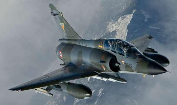 Les différentes versions du Mirage 2000 Français 1