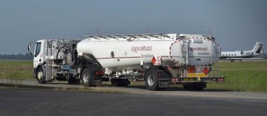 Camion de ravitaillement en carburant