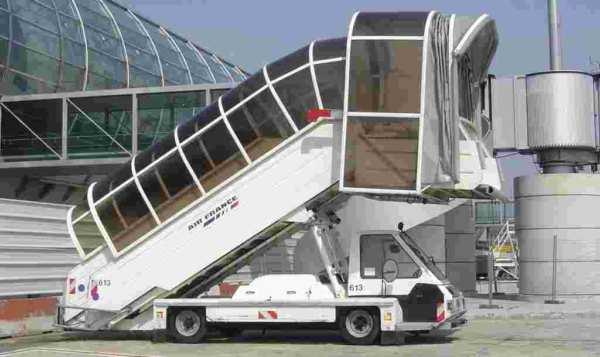 Les véhicules présents dans les aéroports 7