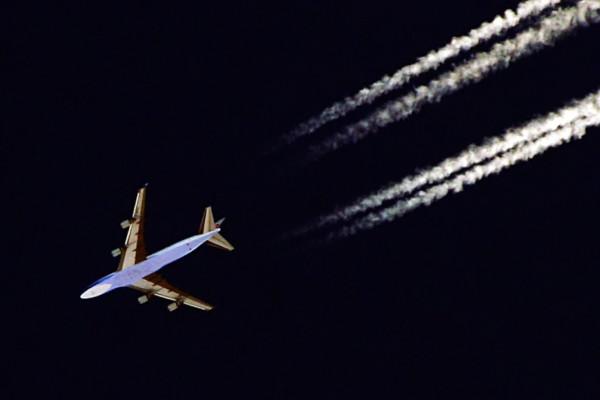Avion de ligne en croisière