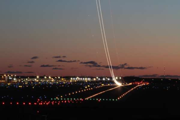 Aéroport de nuit