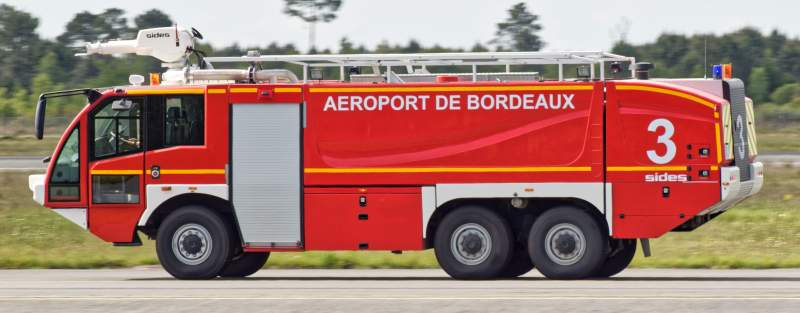 Camion de pompier d'aéroport