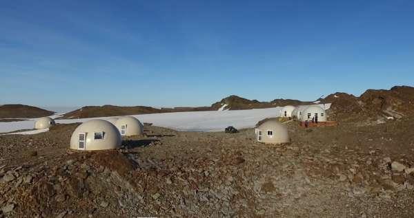 Pourquoi les avions ne traversent pas le pacifique et pôle sud ? 5