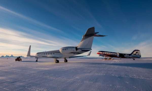 Avions sur le pôle sud