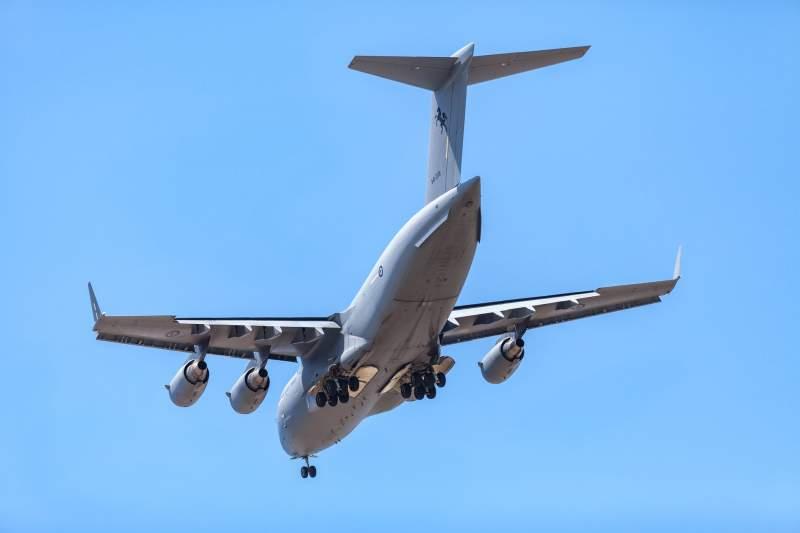 Quels sont les gros avions militaires ? 15