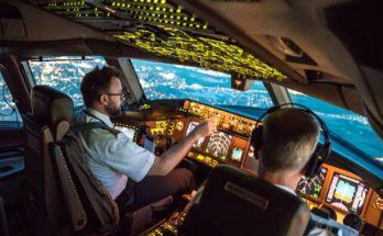 Combien y a-t-il de pilotes dans un avion ? 32