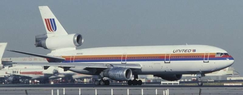 Combien y a-t-il de pilotes dans un avion ? 4