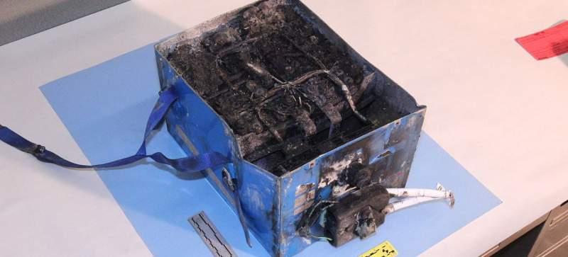 Batterie d'un avion ayant pris feu