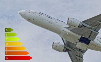Le gouvernement annonce une écotaxe sur les billets d'avions 77