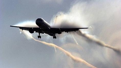 Avion avec condensation sur ses ailes