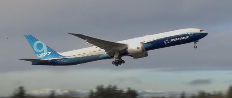 Boeing 777X lors de son premier vol